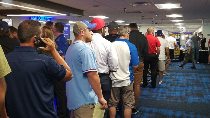 Iowa Sports Betting Begins With Long Lines – For Mobile App