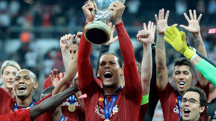 Van Dijk Remains Ballon d'Or Frontrunner Ahead of Messi