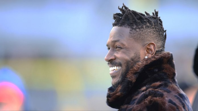 Patriots Sign Antonio Brown, Become Super Bowl Favorites
