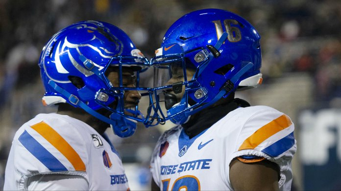 Top NCAA Football Bowl Parlays: 'Bowl Dogs' & 'Over-Served'