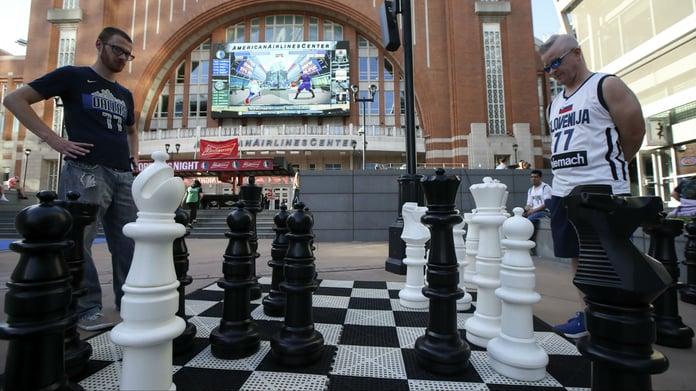 Betting Lull Leads Sportsbooks to Seek eSports, New Markets