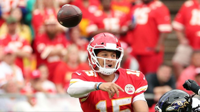 How to Bet Mahomes, Jackson & Brady Over/Under Passing Yards