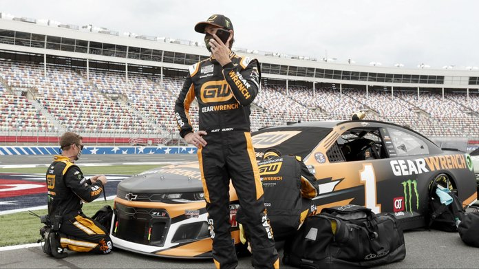 Alsco Uniforms 500 Odds & 7 NASCAR Bets To Back at Charlotte