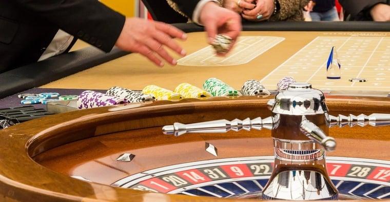Guide: husfördel & hur du minskar casinots kant