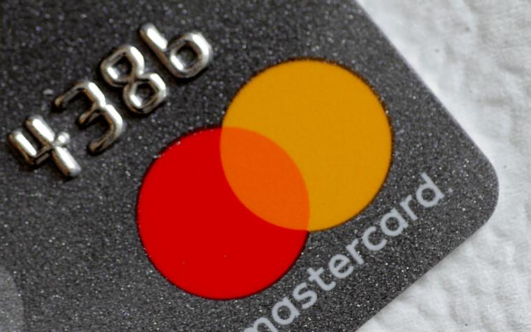 Trenden är tillbaka: Casinon ger ut Mastercard till spelare